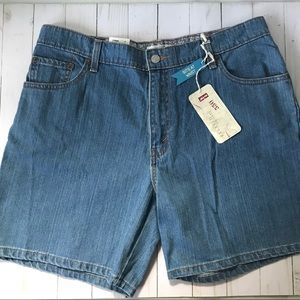 Levi's 550 Relaxed Fit Denim Shorts Sz 16 NWT